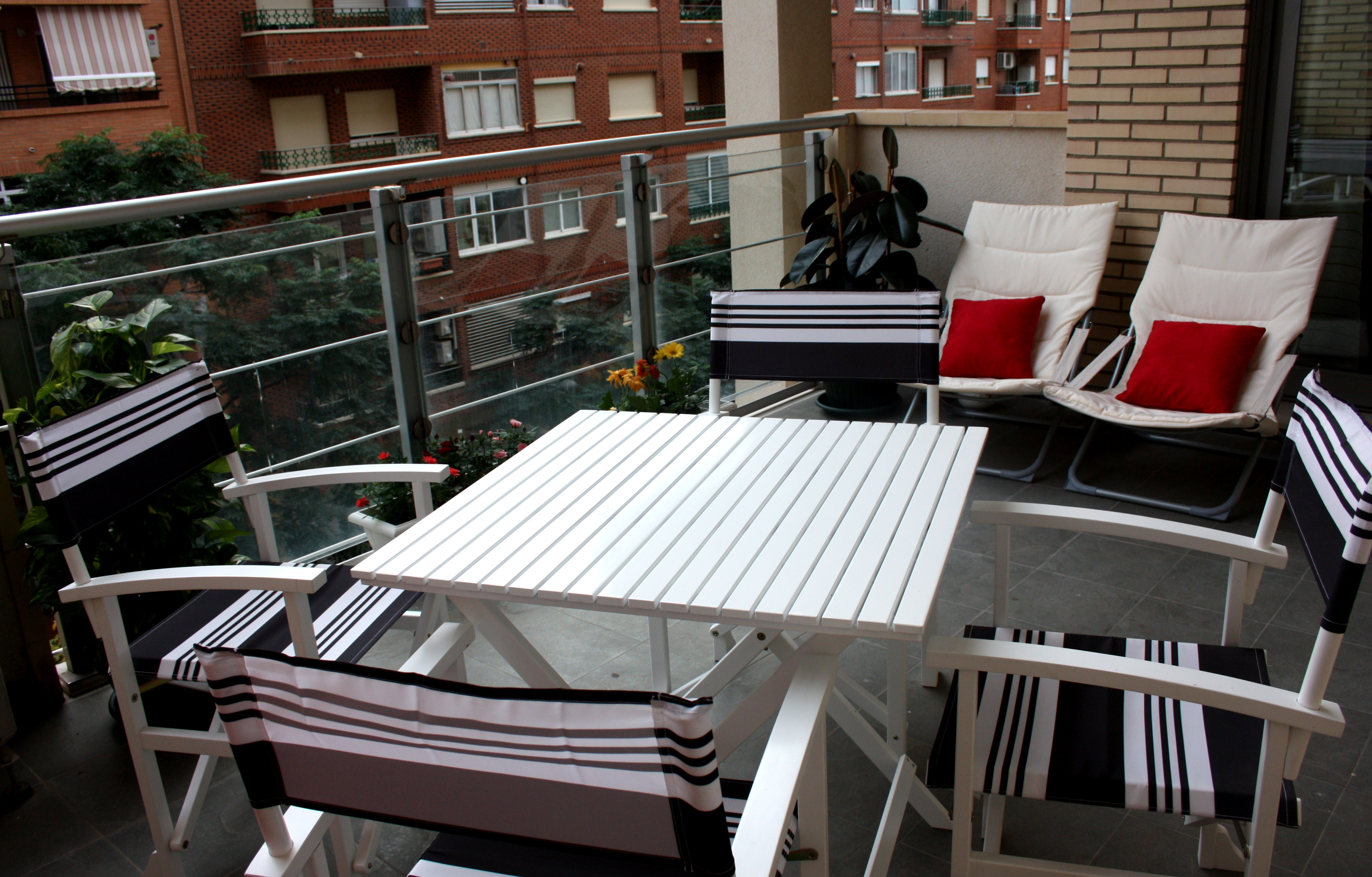 Terraza low cost mi audrey y yo - Sillas de coche alcampo ...