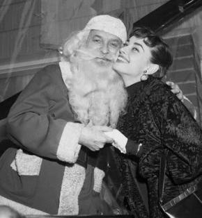 Mi Audrey y yo os deseamos una muy feliz navidad :)