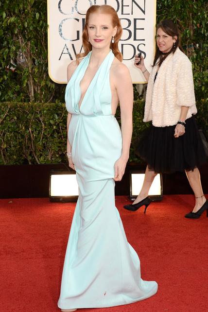 Jessica Chastain, serás una buena actriz pero no entiendo cómo eres capaz de ponerte ESO. Será un Calvin Klein pero parece un saco de patatas mal hecho que encima te viene largo.