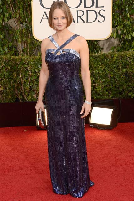 Sigo sin acostumbrarme al pelo de Jodie Foster y su vestido no es santo de mi devoción.