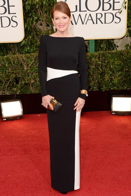 ESPECTACULAR. Mi pelirroja favorita. Como el vino, Julianne Moore mejora con los años.