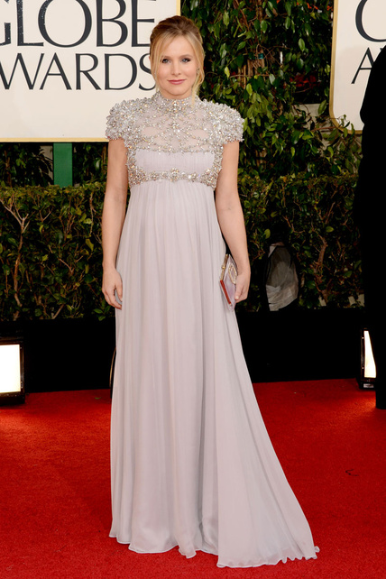 Me pareció un acierto la forma de lucir tripilla de embarazada de Kristen Bell. Elegancia ante todo.