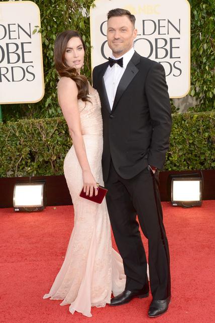 La cara de guarra exagerada de Megan Fox me da tanta cosica que me impide entrar a valorar su vestido estándar.