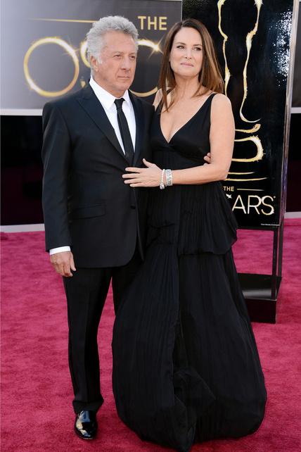 Dustin Hofman y señora saben posar en pareja e ir decentes. Con eso me conformo.
