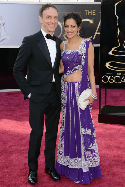 Qué ven mis ojos. Si la peli de La vida de Pi (¿Oscar al mejor director? Vale que queramos joder a Spielberg pero...) me horrorizó bastante, más lo hace el vestido de Michelle Dana.