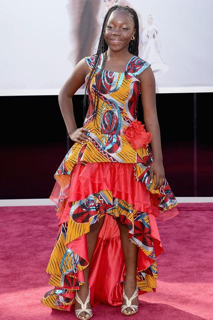 A ver, Rachel Mwanza. Me parece bien lo de reivindicar África con colorines pero los volantes feos NO son necesarios.