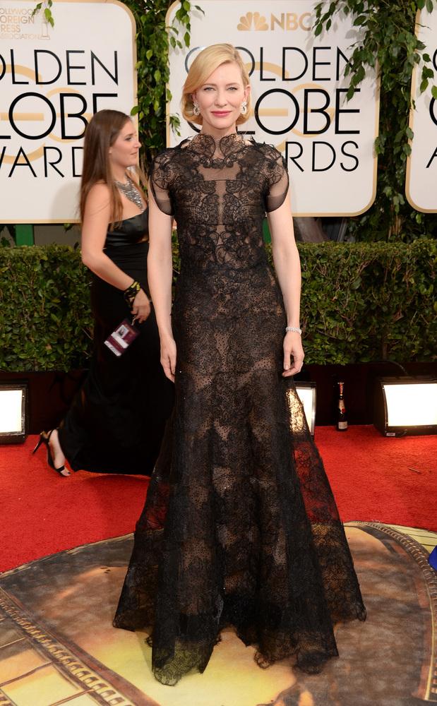 La REINA Kate y su Armani Privé. DIVA. Qué vestidazo. Qué porte. Qué actriz. Qué todo.