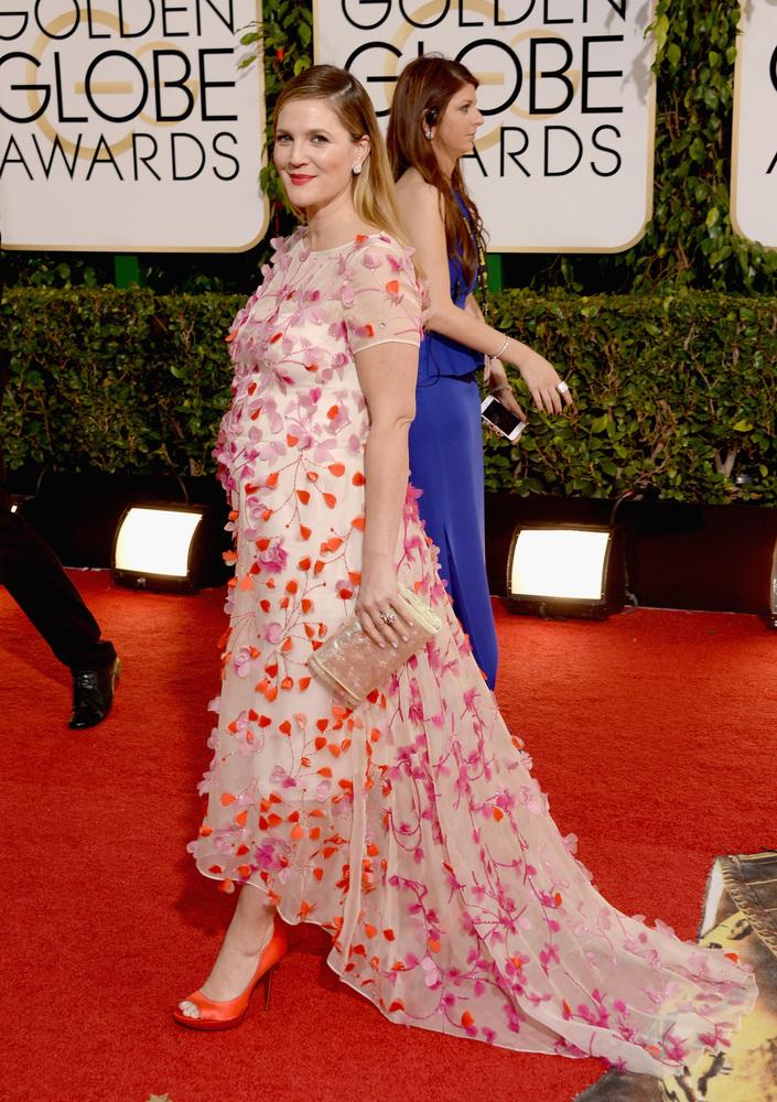 Drew Barrimore (x2) no parece ni ella. El vestido... pff. No me acaba para nada.