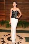 De Anne Hathaway me quedo con el vestido de la post-fiesta de VF, porque el de la gala me defraudó.