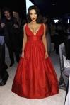 En serio Kim Kardashian, a veces lucir teta no lo es todo.