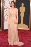 Sarah Paulson es una de las doscientas que optaron por el nude para la alfombra roja.