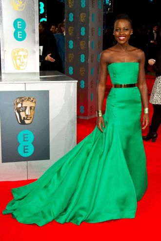 Mejor vestidas 2014 - Lupita Nyongo - Bafta - Dior