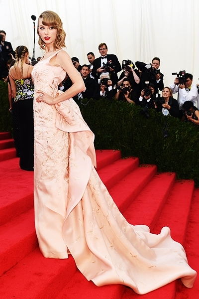 Mejor Vestidas 2014 - Taylor Swift 1