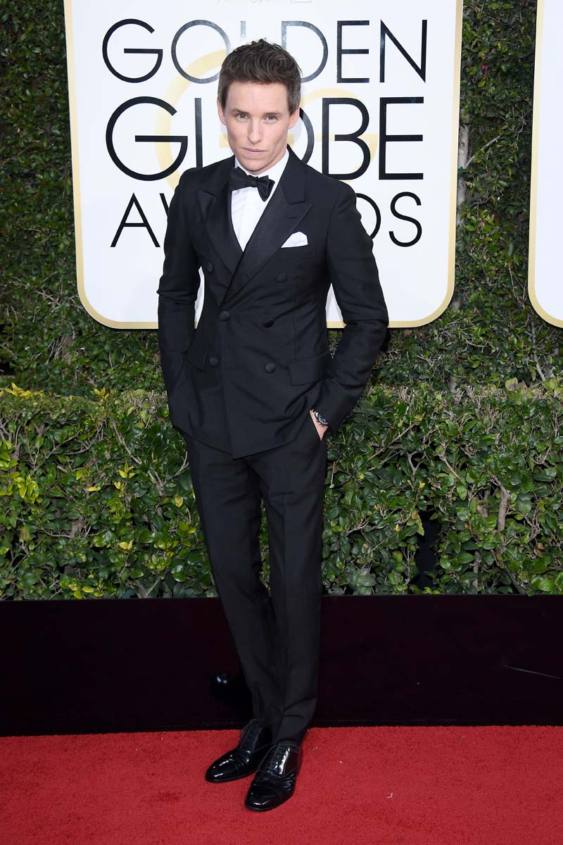 BEVERLY HILLS, CA - JANUARY 08: Eddie Redmayne attends the 74th Annual Golden Globe Awards at The Beverly Hilton Hotel on January 8, 2017 in Beverly Hills, California. (Photo by Venturelli/WireImage)