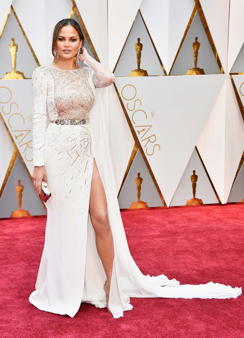 HOLLYWOOD, CA : Model Chrissy Teigen attends the 89th Annual Academy Awards at Hollywood & Highland Center on February 26, 2017 in Hollywood, California. (Photo by Frazer Harrison/Getty Images)