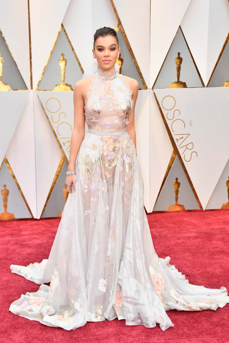 HOLLYWOOD, CA - FEBr Hailee Steinfeld attends the 89th Annual Academy Awards at Hollywood & Highland Center on February 26, 2017 in Hollywood, California. (Photo by Frazer Harrison/Getty Images)