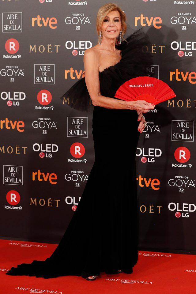 Bibiana Fdez YolanCris alfombra roja Goya 2018