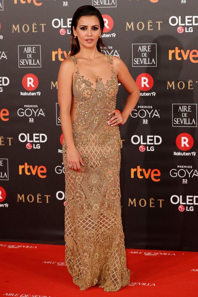 Monica Cruz Ruben Hernandez Costura alfombra roja Goya 2018