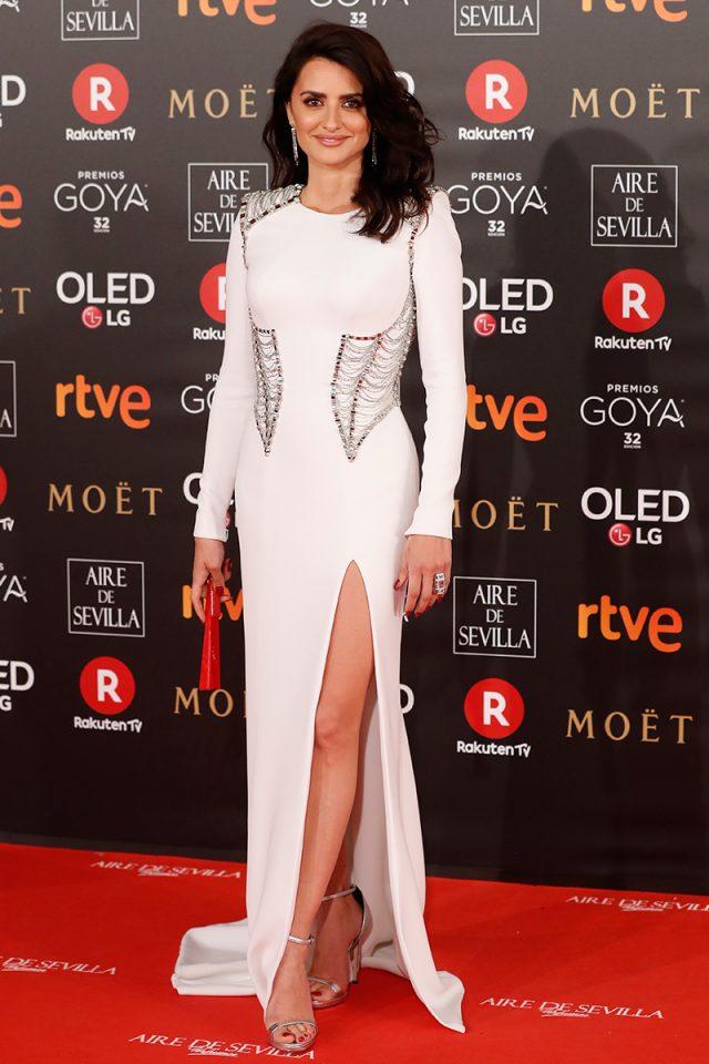 Penelope Cruz Versace alfombra roja Goya 2018